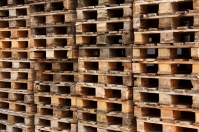 Drewniane skrzynki elementem dekoracji